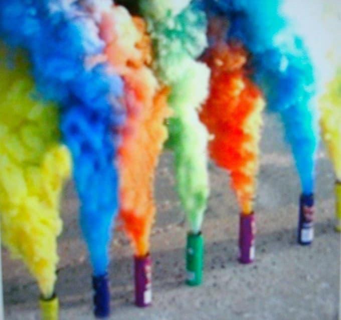 Как сделать цветной дым в домашних 345