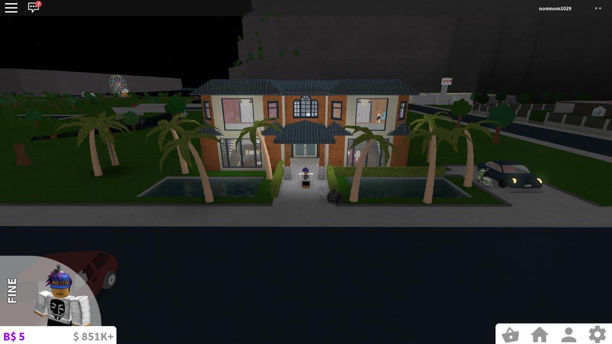 Im am gonna make a bloxburg house a modern by haffygaming