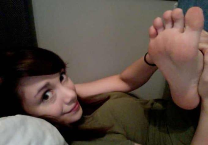 Feet girls wikiFeet
