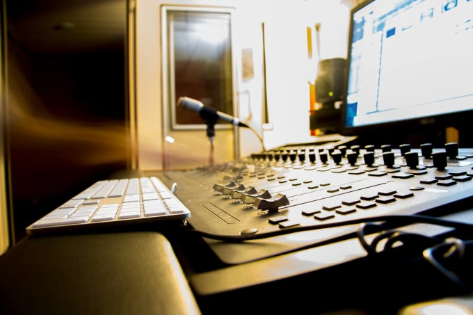 create sound effects and soundscapes for games and video