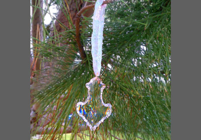 Put Together 3 Great Christmas Crystal Ornaments For You To Hang On