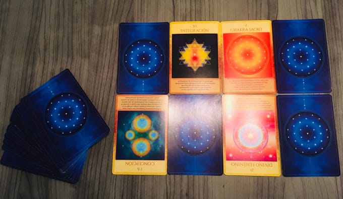 make a video with a tarot reading in spanish