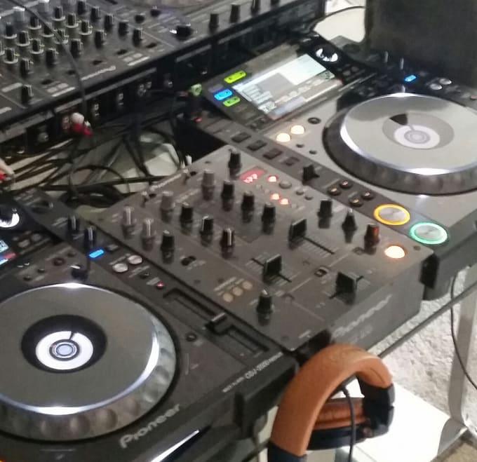make you a custom music mix