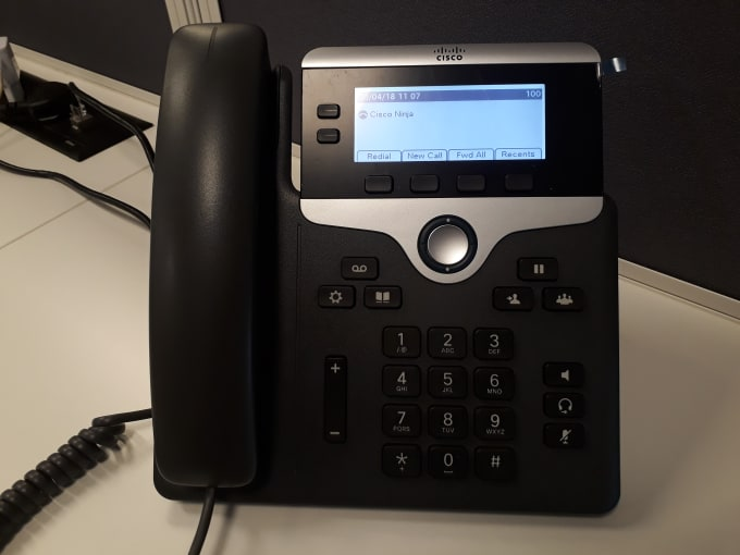 configure cisco ip phone on call manager