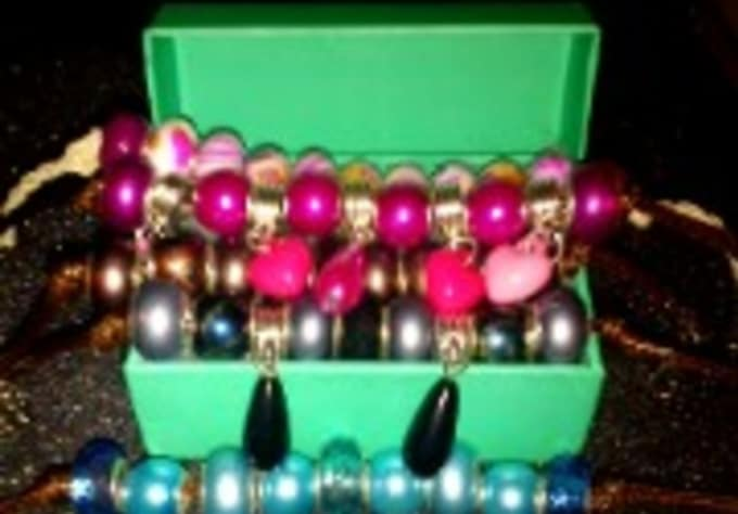 b3a21a246 Make and send you 1 pair hello kitty earrings and a beaded braclet ...