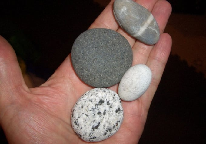 Find Good Luck Stone : Mail you a million year old ocean polished good luck