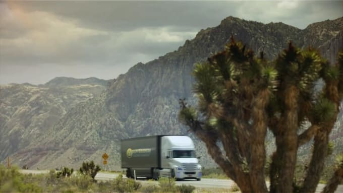 truck logo SovereignMoving 1080p Optical LE