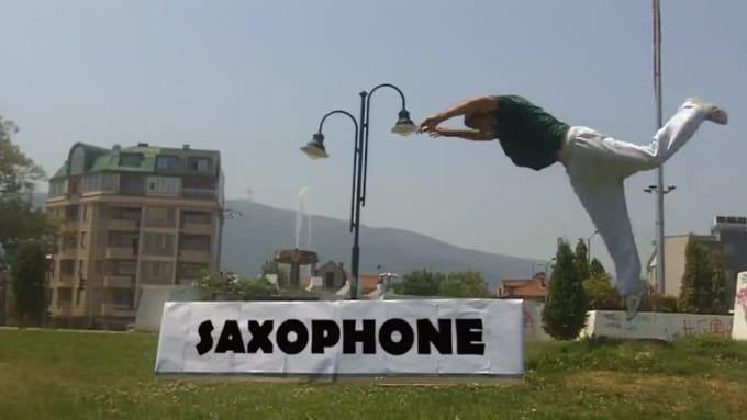 saxoFront