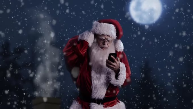 Annelasiter Santa Shopping Commercial 2