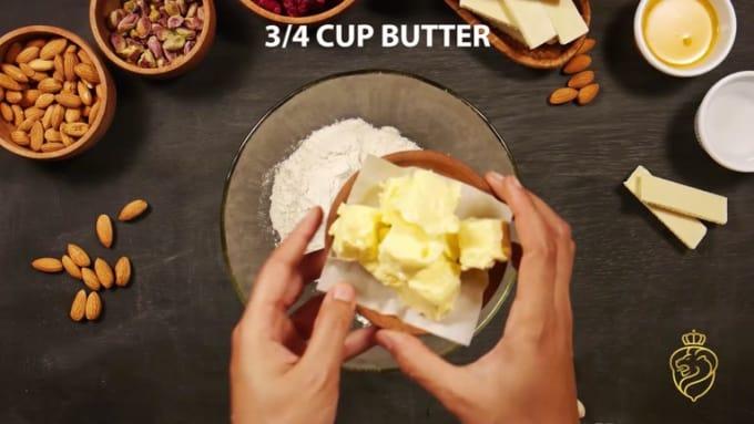 L´orenta Almond Pistachio White Chocolate Raspberry Tart