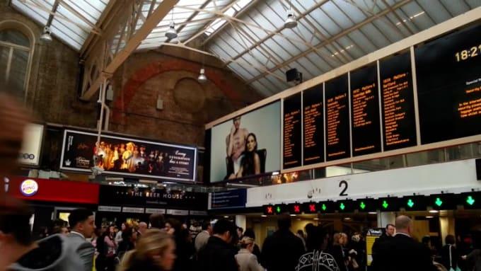 TrainStationBoard_Tony30002