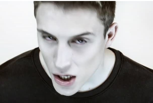 license you to use loic nottet rhythm inside video