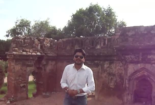 record video at ruins of India