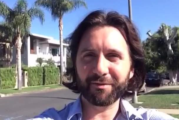 create a sunny outdoor Los Angeles VIDEO
