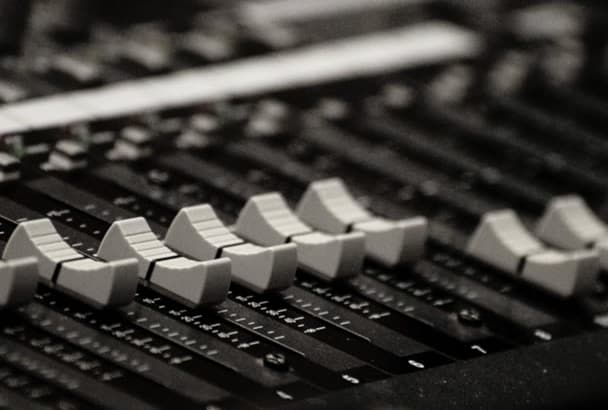record a professional FRESH voice over in Spanish