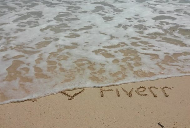 personalize your message on the beach