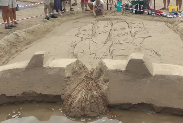 draw any picture on sand